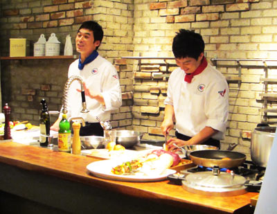 The program included two celebrity chefs, Chef Lee Sang-hak and Chef Shin Hyo-seob