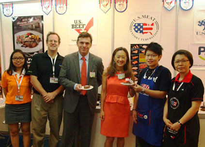(from left) Sum Chhorwoan, sales executive with Cambodian importer LSH; Dan Breiner, sales representative, Parker-Migliorini International; David Meyer, economist, and Julie Chung, deputy chief of mission, U.S. Embassy in Phnom Penh; Chang Yi Ping, USMEF-ASEAN regional chef and Sabrina Yin, USMEF-ASEAN director