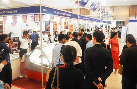 USMEF's display at CAMFOOD 2016 attracted many from the HRI and restaurant sectors in Cambodia and surrounding countries