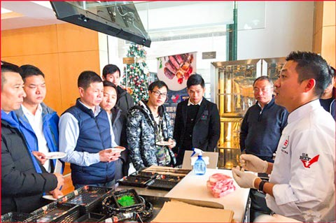 USMEF invited chefs from local hotels and restaurants to a series of cooking demonstrations using alternative cuts of U.S. beef