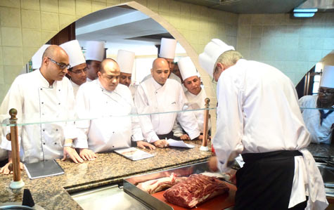 Chef Marcus Iten demonstrates U.S. beef preparation techniques at the recent USMEF seminar in Luxor, Egypt