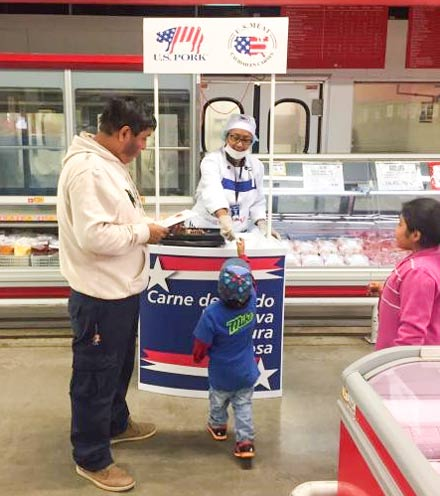 Samples of U.S. pork ribs are handed out at a Makro outlet in Peru as part of a USMEF promotional campaign to create awareness of the product