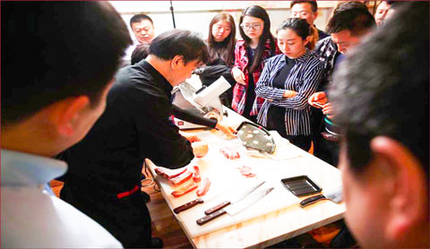 U.S. pork training seminars conducted by USMEF in Shanghai covered thawing, cutting, cooking and marketing various U.S pork cuts