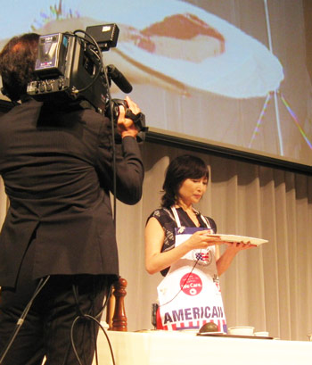 Chef Rika Yukimasa conducts a cooking demonstration at a regional seminar hosted by USMEF-Japan