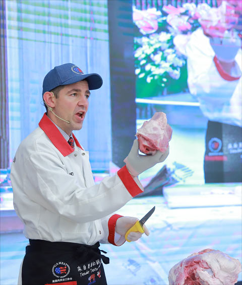 U.S. beef and pork cuts were highlighted during chef demonstrations at the U.S. Meat Traders Club Reception in Shanghai