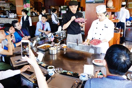 Chefs and restaurant staff in Taiwan learn about U.S. beef during the USMEF New Cuts and Creative Cuisine Seminar