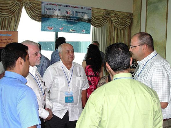 Nebraska beef Council Chairman Craig Uden (far right) meets with buyers in Panama City
