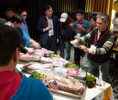 Taiwanese chefs get a close-up look at U.S. beef cuts